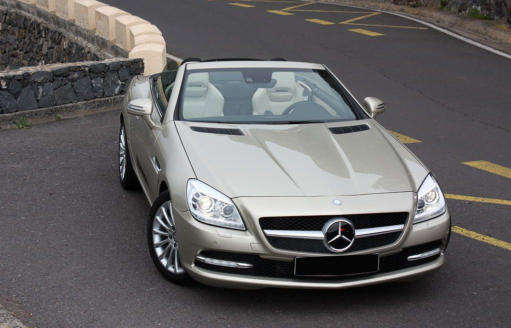 Mercedes-Benz SLK-Class: Class with Luxury