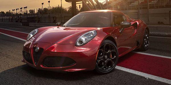 2017 Alfa Romeo 4C - Design Worthy of Luxury Sports Cars