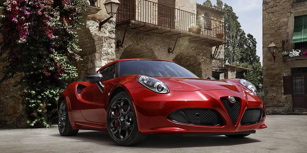 Exterior of the 2017 Alfa Romeo 4C